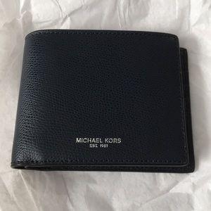 Michael Kors Billfold wallet. Authentic